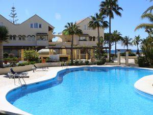 Las Arenas Bahia de Marbella pool