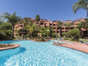 Alicate Playa Pool